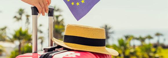 Koffer, Hut, EU-Fahne